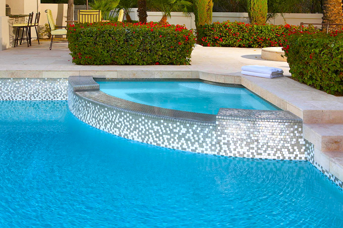 Green Pool Cleaning – Chlorine Wash